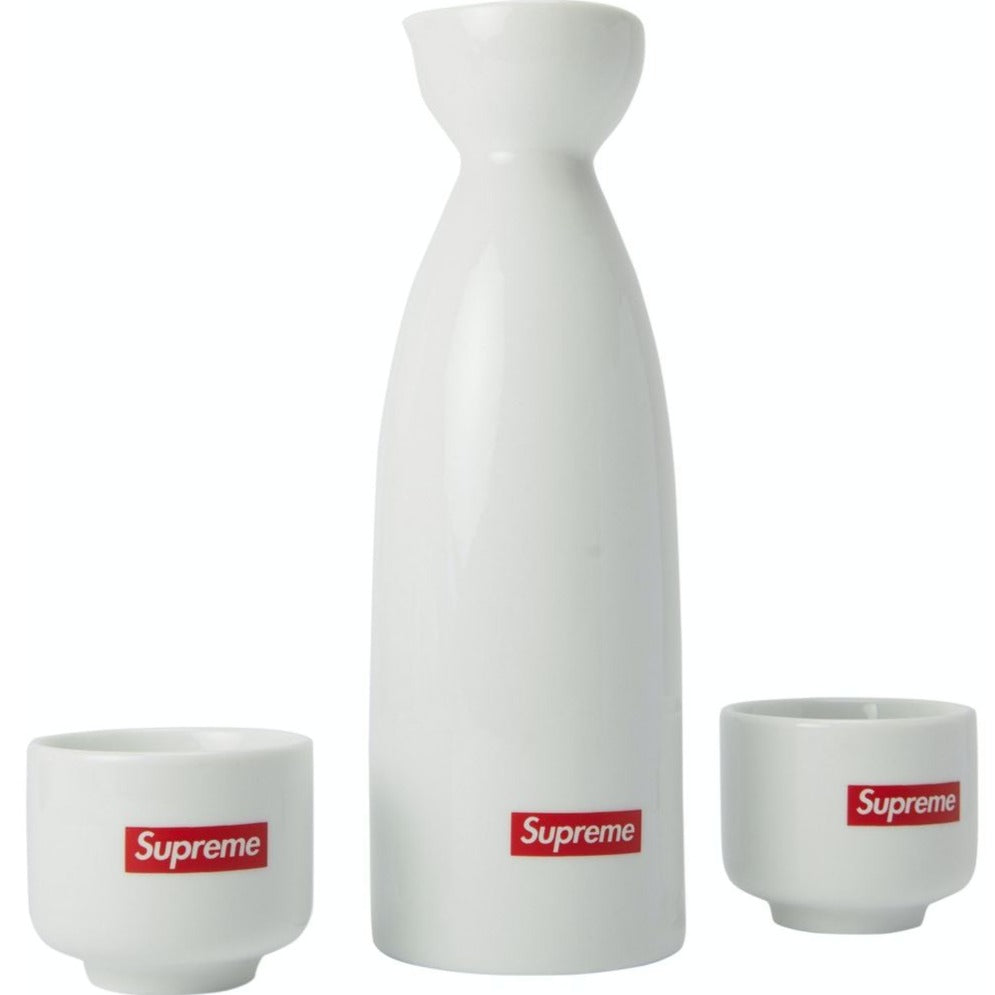 Box Logo Saki Set
