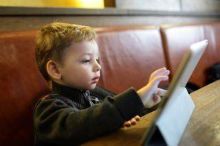 6 ways electronic screen time makes kids angry, depressed and unmotivated - 4aKid Blog