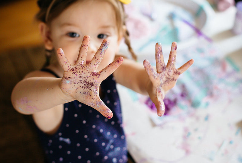 Is it harmful to eat glitter?