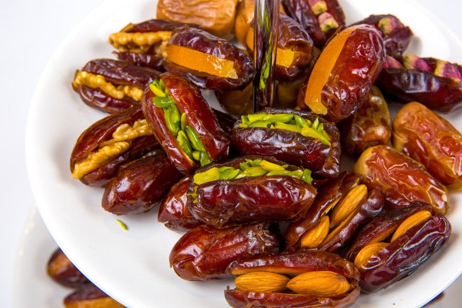 1 - Stuffed Dates تمر محشي