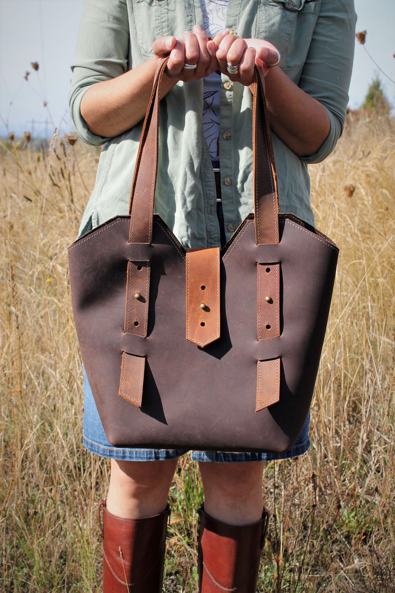 Leather Tote Bags: Adjustable Chocolate Brown Leather Shoulder Bag
