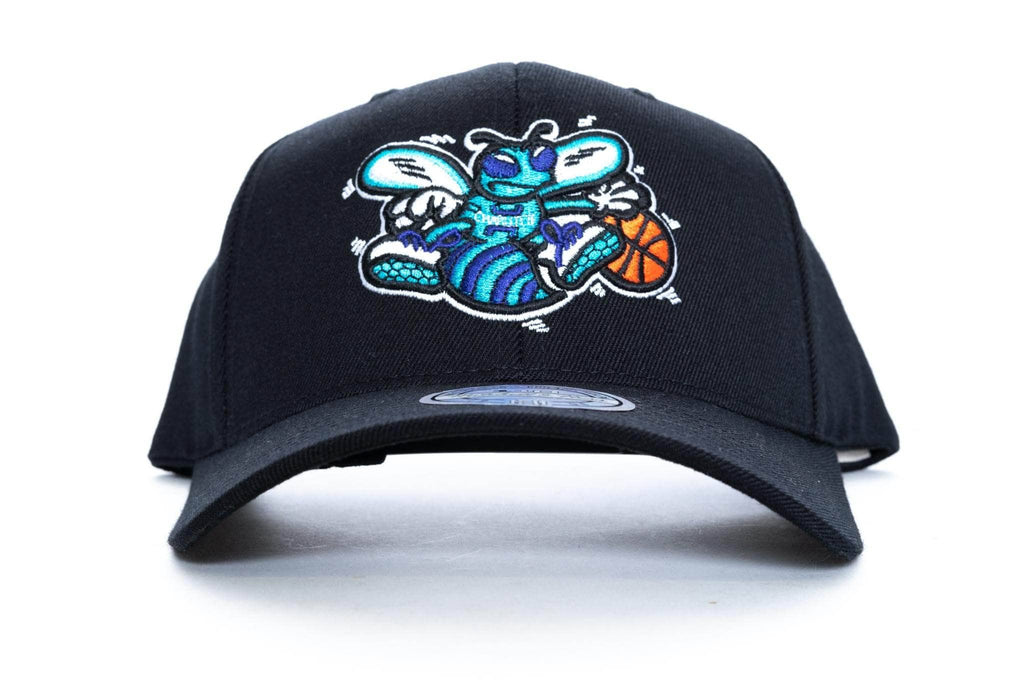345620d031a603 mitchell and ness charlotte hornets vintage HWC 110 snapback – trainers