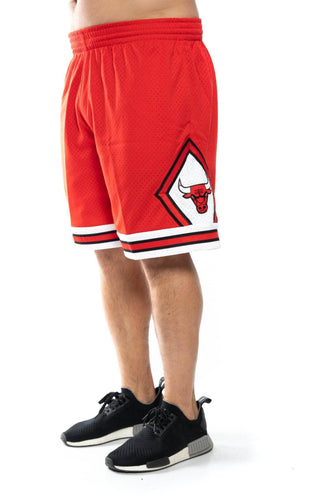 mitchell and ness chicago bulls road 97-98 nba swingman shorts mitchell and ness Short