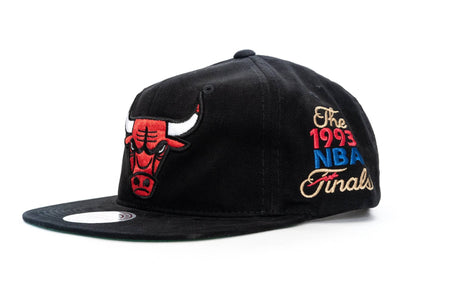 BLACK mitchell and ness chicago bulls road finals snapback mitchell and ness cap