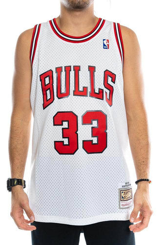 mitchell and ness chicago bulls scottie pippen 33 97-98 home swingman jersey mitchell and ness tank