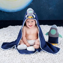 Load image into Gallery viewer, Cosmo Tot Spaceship 4-Piece Bath Time Gift Set
