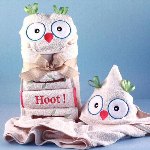 Personalized It's a Hoot Hooded Baby Towel (Pink)