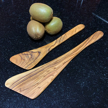 Load image into Gallery viewer, Olive Wood Spatula - Flat Handle (Large)