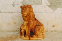 Load image into Gallery viewer, Lion and Lamb Olive Wood Carving