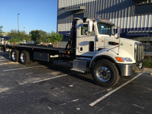 Load image into Gallery viewer, 2020 PETERBILT 348X CENTURY 28.0'ST W/D FLOOR