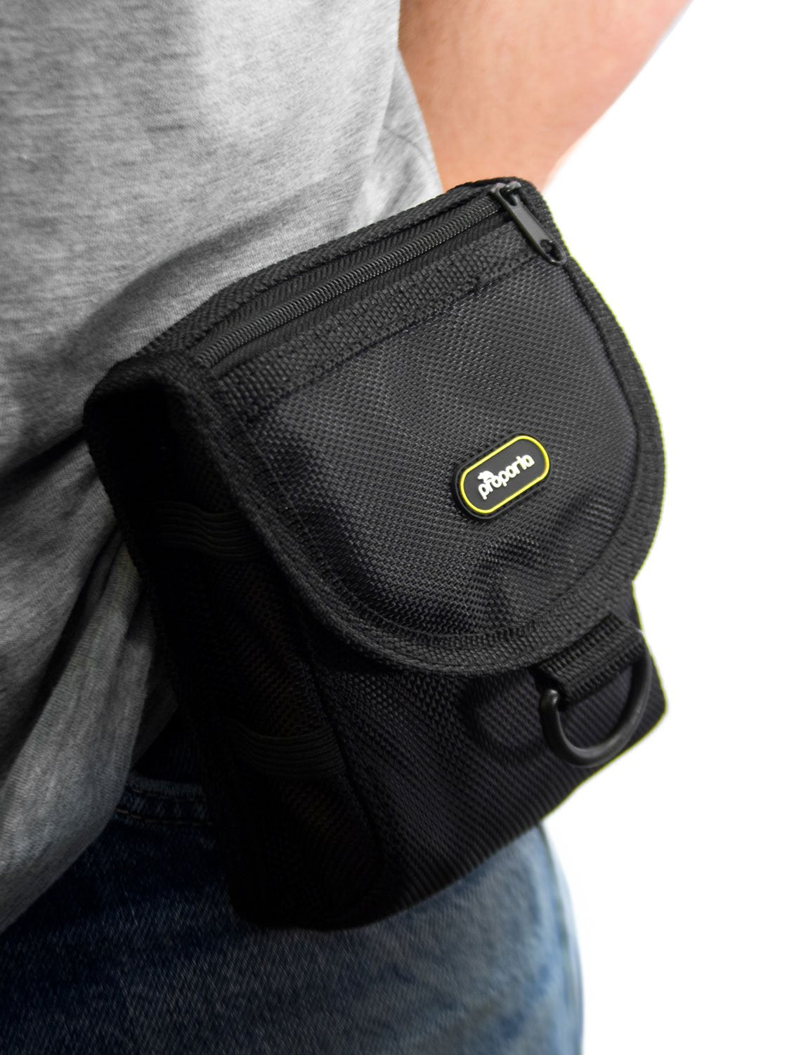 Lifestyle image of the Proporta Universal bag in Black