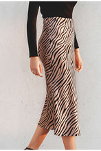 Load image into Gallery viewer, Animal Print Midi Skirt