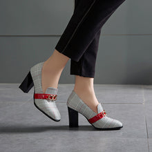 Load image into Gallery viewer, Chunky Heel Plaid Pumps