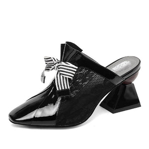 Open image in slideshow, Square Toe Bow Mules