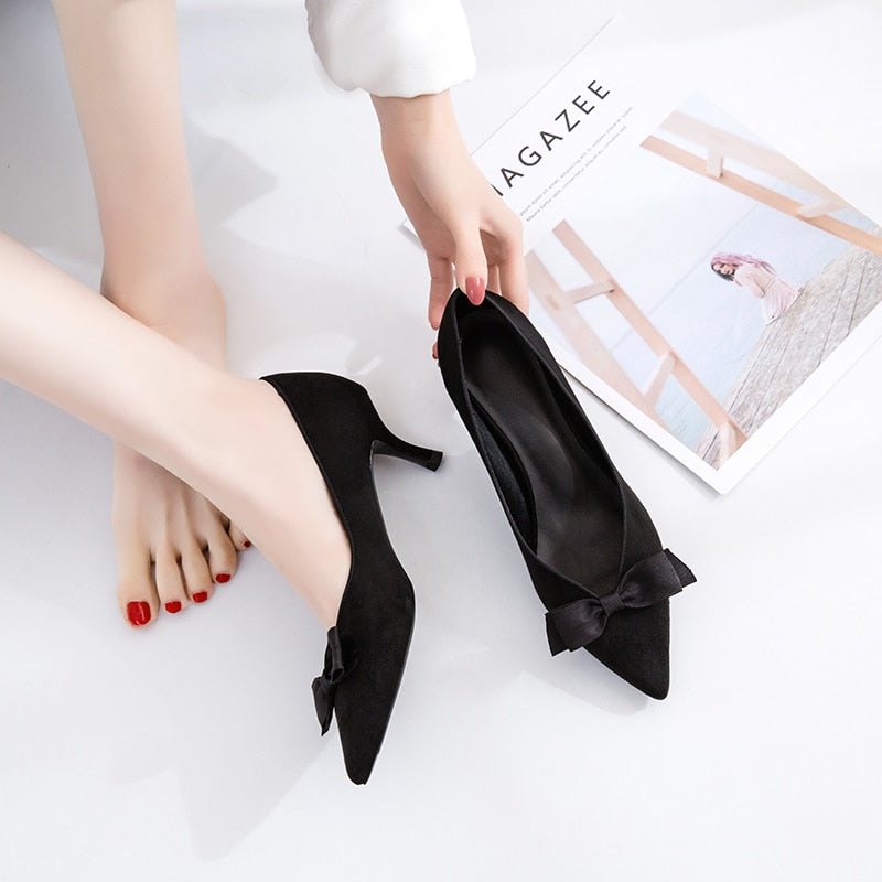 Black Pointed Bow Heels