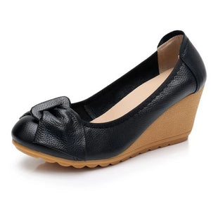 Open image in slideshow, Genuine Leather Women Bow Pumps