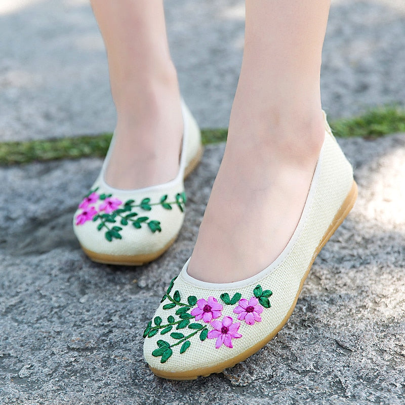 Embroidered Floral Ballet Flats