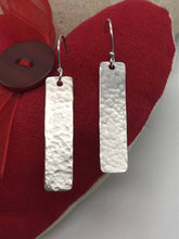 Load image into Gallery viewer, Elegant long sterling silver dangly earrings (sser0079)