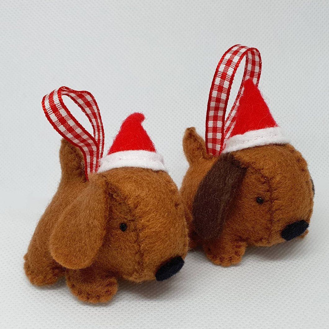 Felt Christmas Dogs - Seasonal Crafts