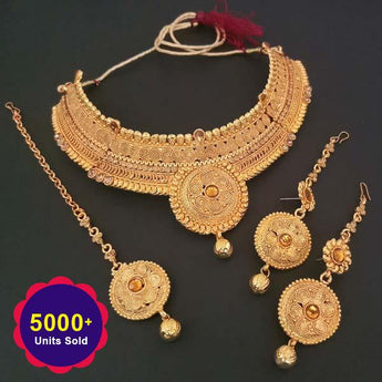 Utkrishtt Brown Stone Necklace Set With Maang Tikka - 1107931