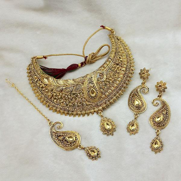 Kriaa Gold Plated Brown Kundan Choker Necklace Set With Maang Tikka - 1113609