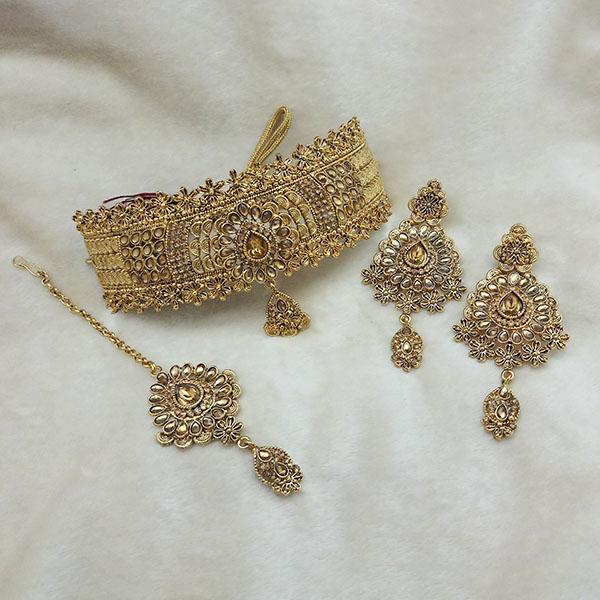 Kriaa Gold Plated Brown Kundan Choker Necklace Set With Maang Tikka - 1113612