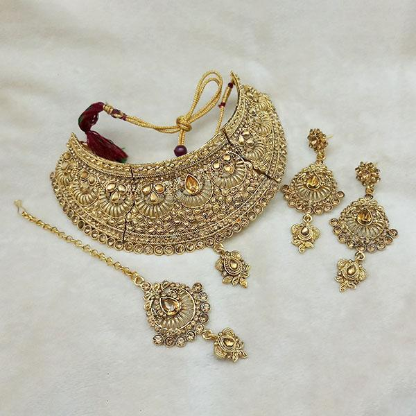Kriaa Gold Plated Brown Kundan Choker Necklace Set With Maang Tikka - 1113615