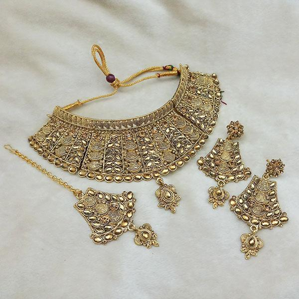 Kriaa Gold Plated Brown Kundan Choker Necklace Set With Maang Tikka - 1113618