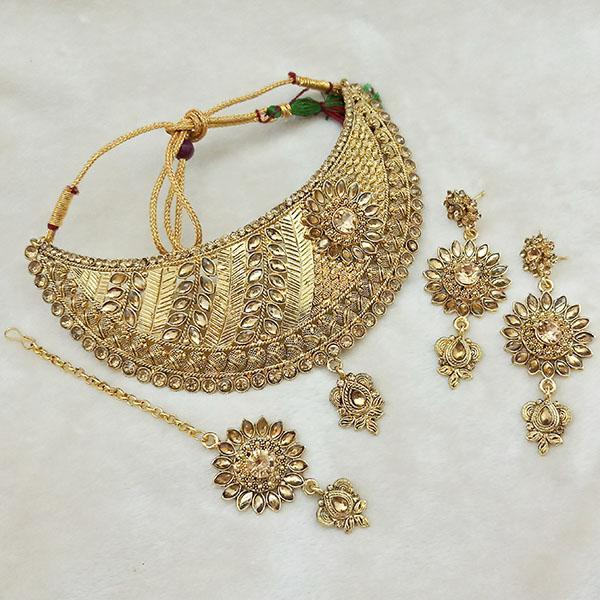 Kriaa Gold Plated Brown Kundan Choker Necklace Set With Maang Tikka - 1113620