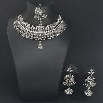 Jeweljunk White Kundan Stone Oxidised Choker Necklace Set With Maang Tikka - 1113648