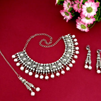 Kriaa Silver Plated White Stone And Kundan Choker Necklace Set With Maang Tikka