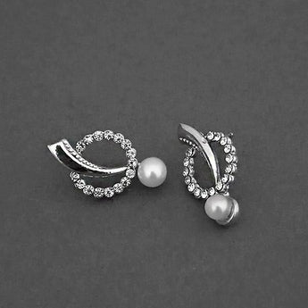 Kriaa Silver Plated White Austrian Stone Stud Earrings - 1310756