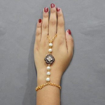 Tip Top Fashions Austrian Stone And Pearl Hand Harness - 1503110