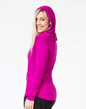 side view of a mum wearing a mulberry colour breastfeeding hoodie with the hood up