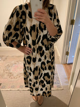 Load image into Gallery viewer, Leopard Balloon Sleeve midi dress