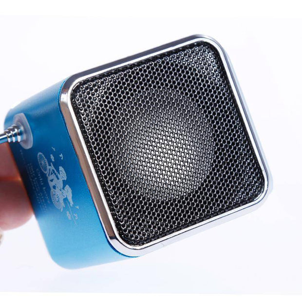 Portable Digital FM Radio Speaker Mini FM Radio Receiver With LCD Stereo Loudspeaker Support Micro TF Card