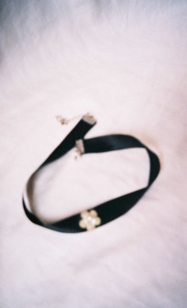 Pearl Flower Ribbon Choker