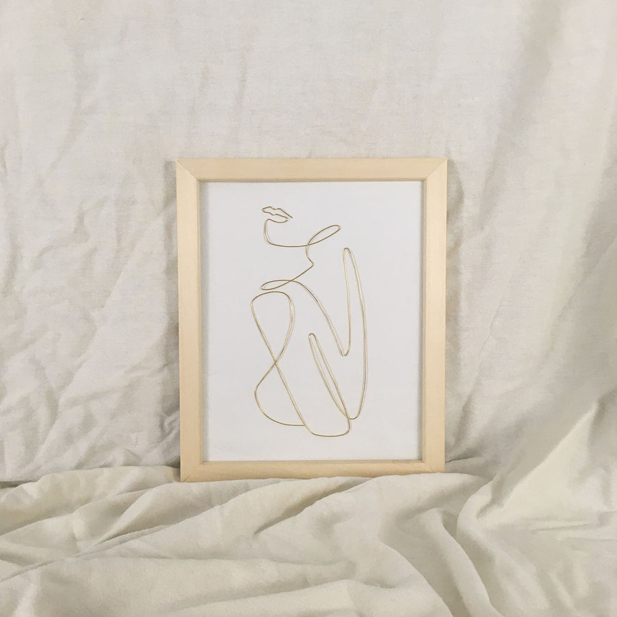 Comfort wire art - natural frame gold wire