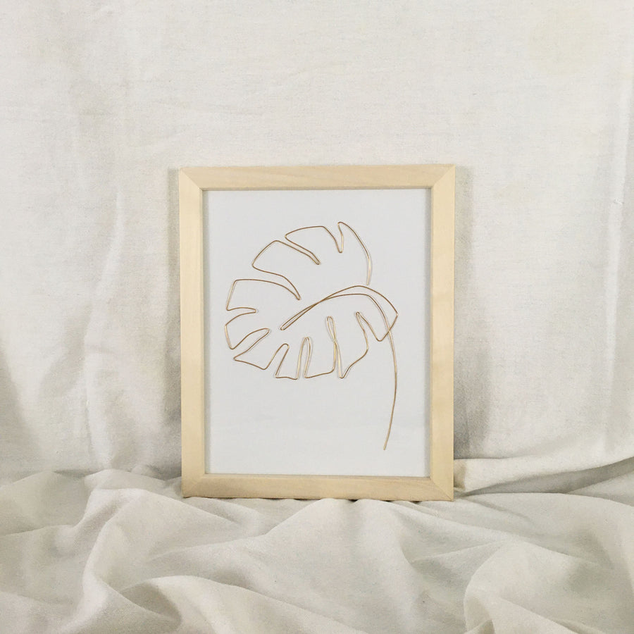 Monstera Wire Art - natural frame, gold wire