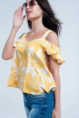 Yellow flower top and ruffles detail
