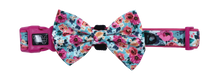 Load image into Gallery viewer, Collar w/Bow tie- FLORAL