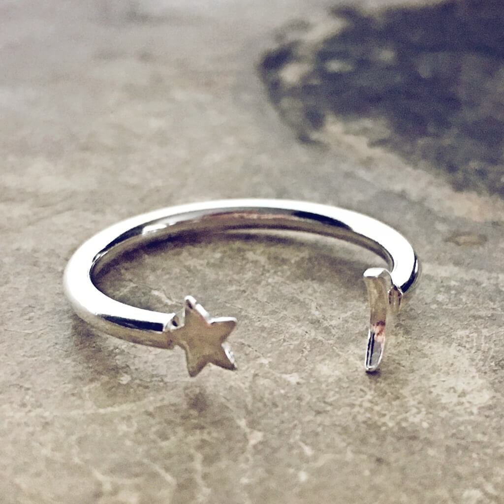 astral // sterling silver adjustable star and moon gap ring - Peacock & Lime