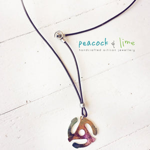 old school // retro 45 rpm record adapter necklace - colourized - Peacock & Lime