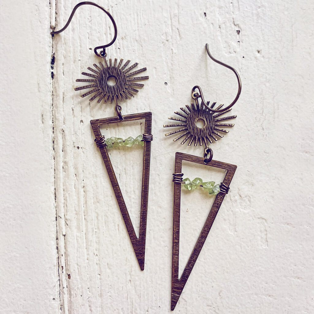 pulsar // boho antiqued brass sun star triangle & peridot earrings - Peacock & Lime