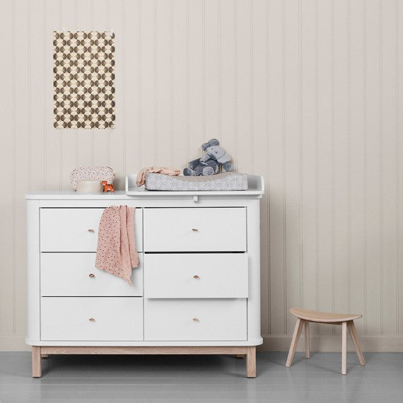 Oliver Furniture Small changing table for Wood - Decochic chest of drawers