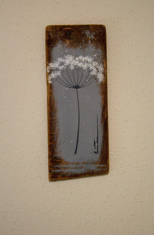 Small cow parsley mid grey reclaimed wood painting close up
