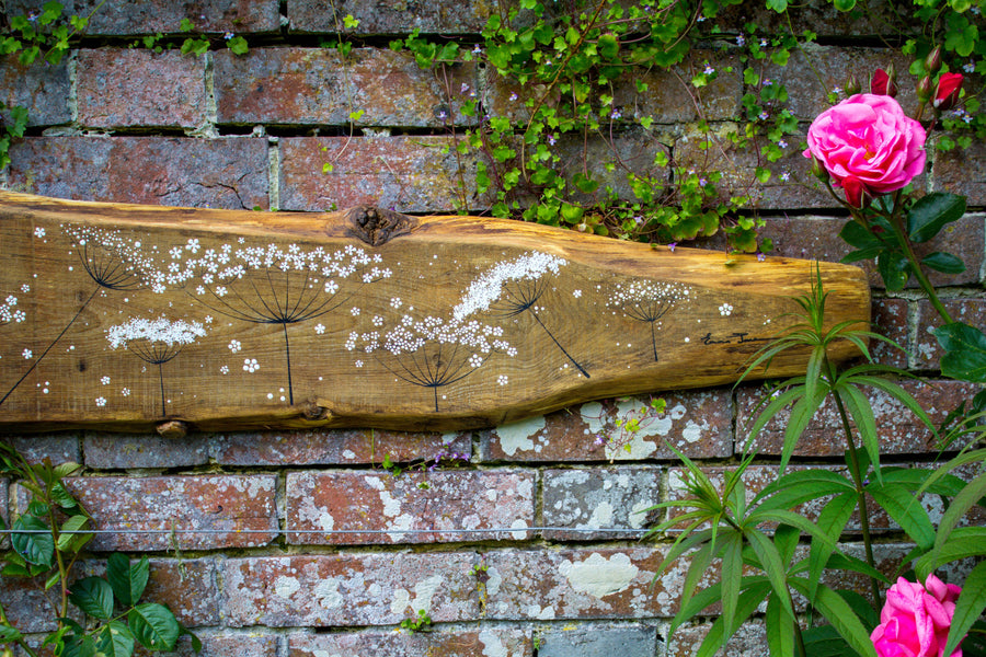 XXL Cow Parsley natural live edge wood painting outside close up