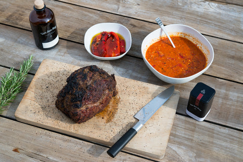BBQ: Gin-Rib-Eye-Steak mit Paprika-Salsa