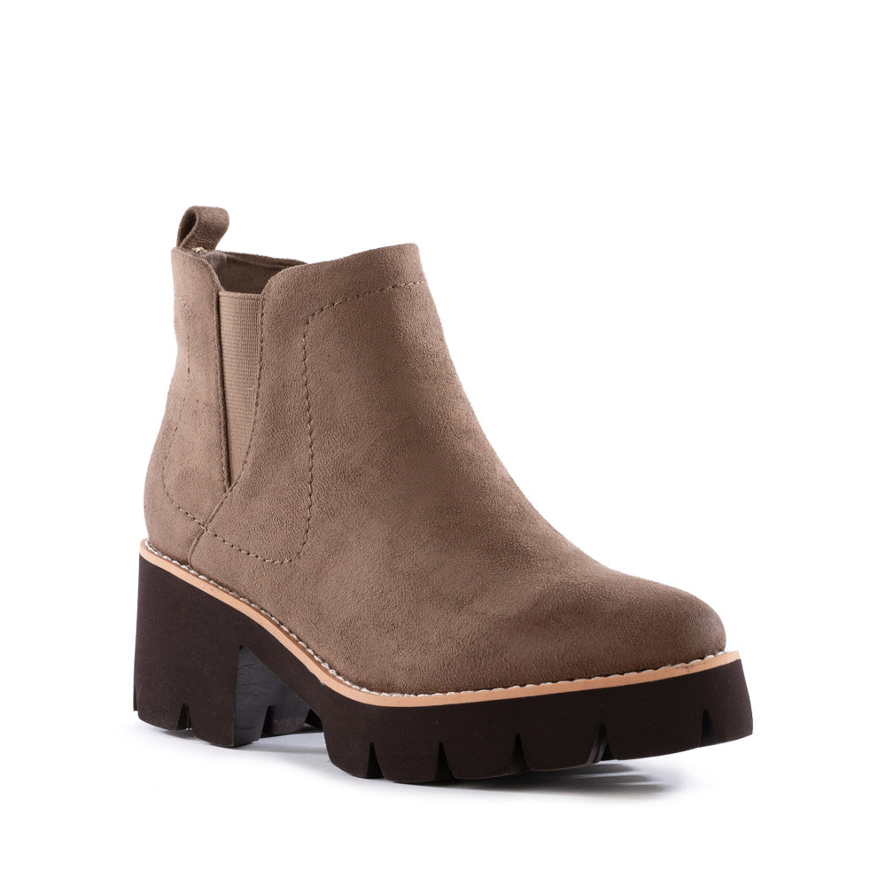 Product image of cognac vegan suede front