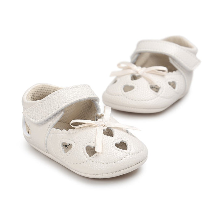 Newborn PU Leather Baby Girl First Walkers Shoes Love Hollow Handmade Soft Bottom Soled Bow Prewalker Shoes New Arrival